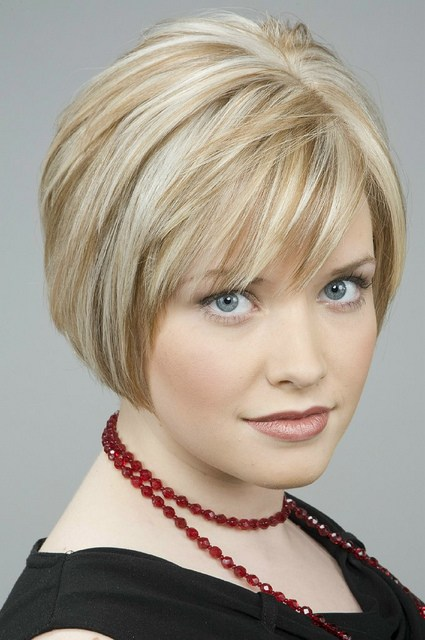 Hairstyles For Short Hair To Go Out : Bob Haircuts For Round Faces Thick Hair Images & Pictures - Becuo