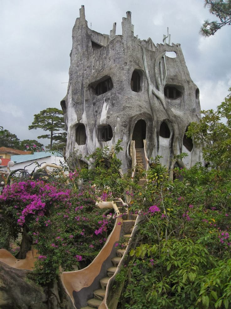 15 strange and unusual homes you have never seen for Amazing house pictures