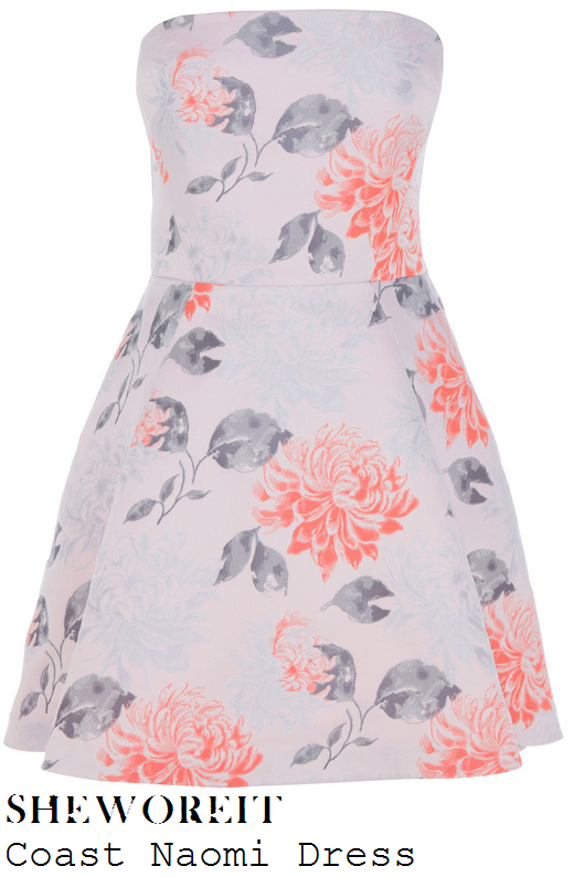 lucy-mecklenburgh-cream-nude-pink-coral-all-over-oversized-floral-print-strapless-prom-dress-drapers-awards