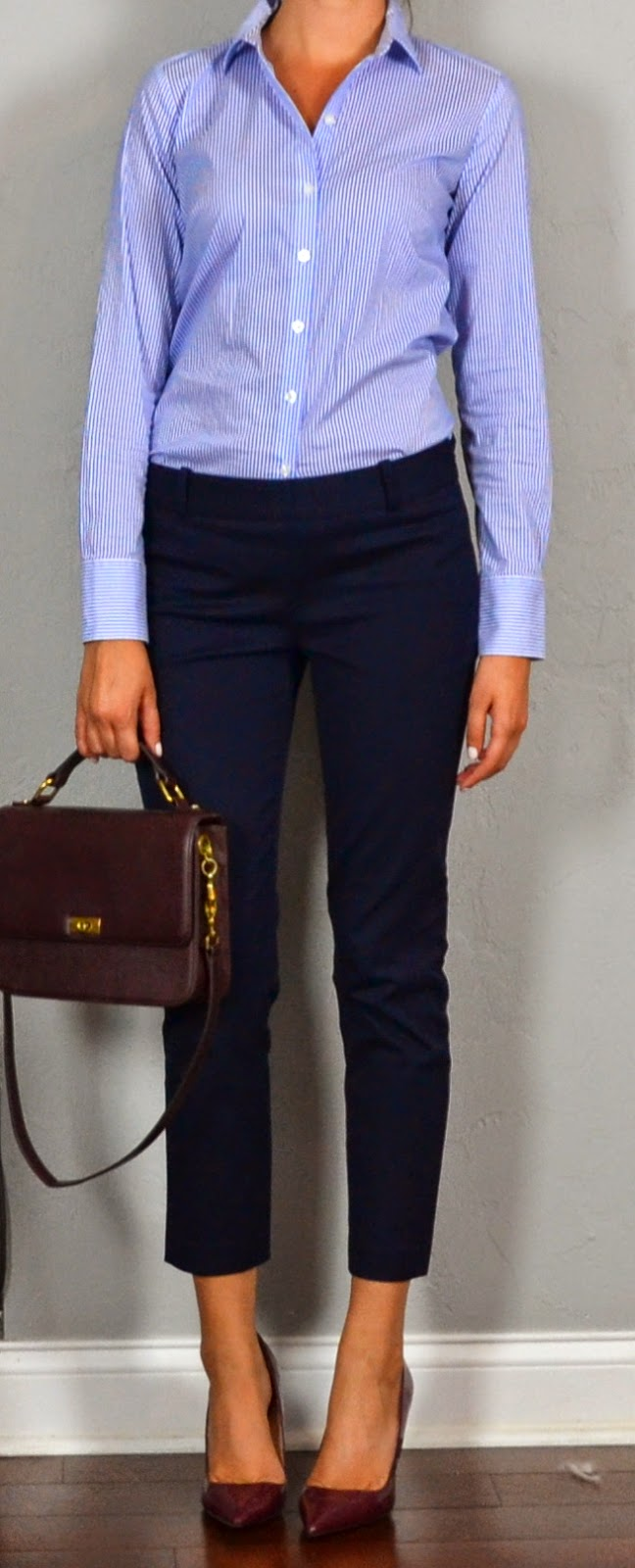According to GQ, it is acceptable to wear dark brown shoes with navy pants. A lighter shade of brown, such as tan, is not appropriate, because men's shoes should be at least as dark as their pants. Refusing to combine dark browns and blues is considered outdated.