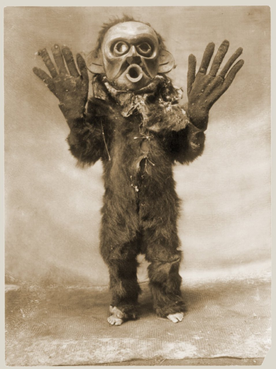 Random Sunday Morning Mask Pic: Merry Krampus!!! | Blood Curdling ...