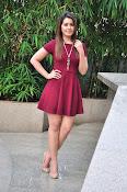 Rashi Khanna latest sizzling pics-thumbnail-17