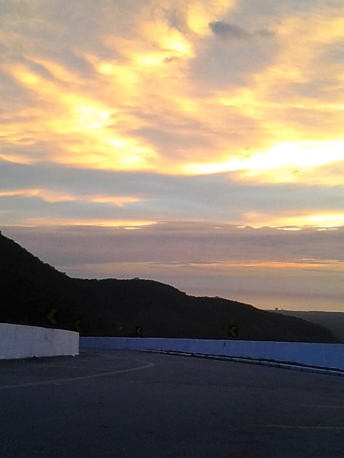 Foto tirada na estrada de Bertioga
