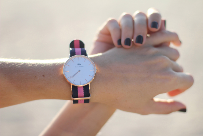 Preppy style watch by fashion blogger