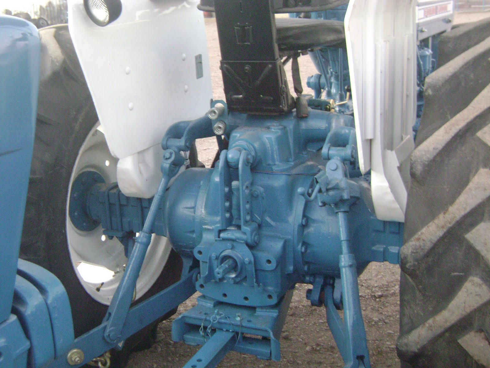 Maquinaria Agricola Industrial  Tractor Ford 5000  9 000 Dlls