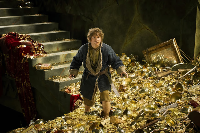 Baggins with gold in The Hobbit: The Desolation of Smaug movie still image picture photo