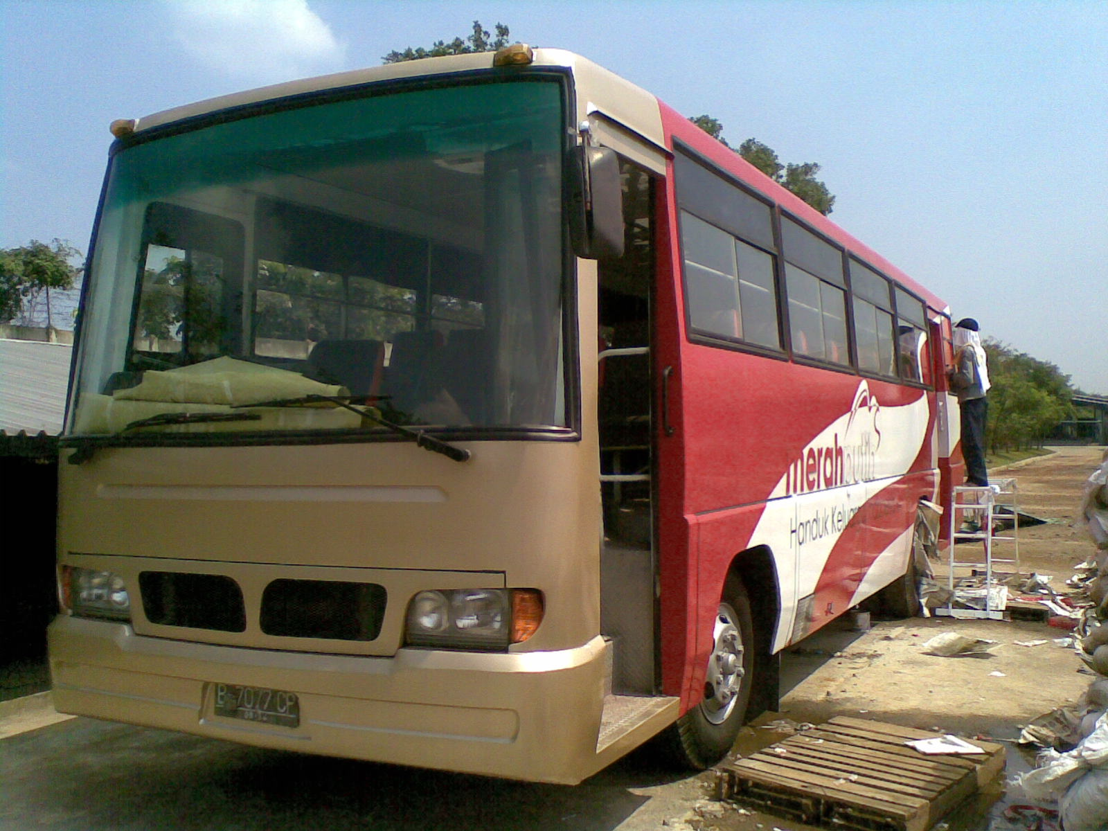 Airbrush Bus