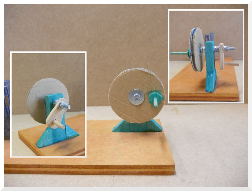 el soporte listón de pino y para la manivela contrachapado de 5 mm