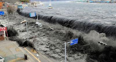 .+Tsunami 10 Bencana Alam Paling Mengerikan dan Sangat Menakutkan di Dunia