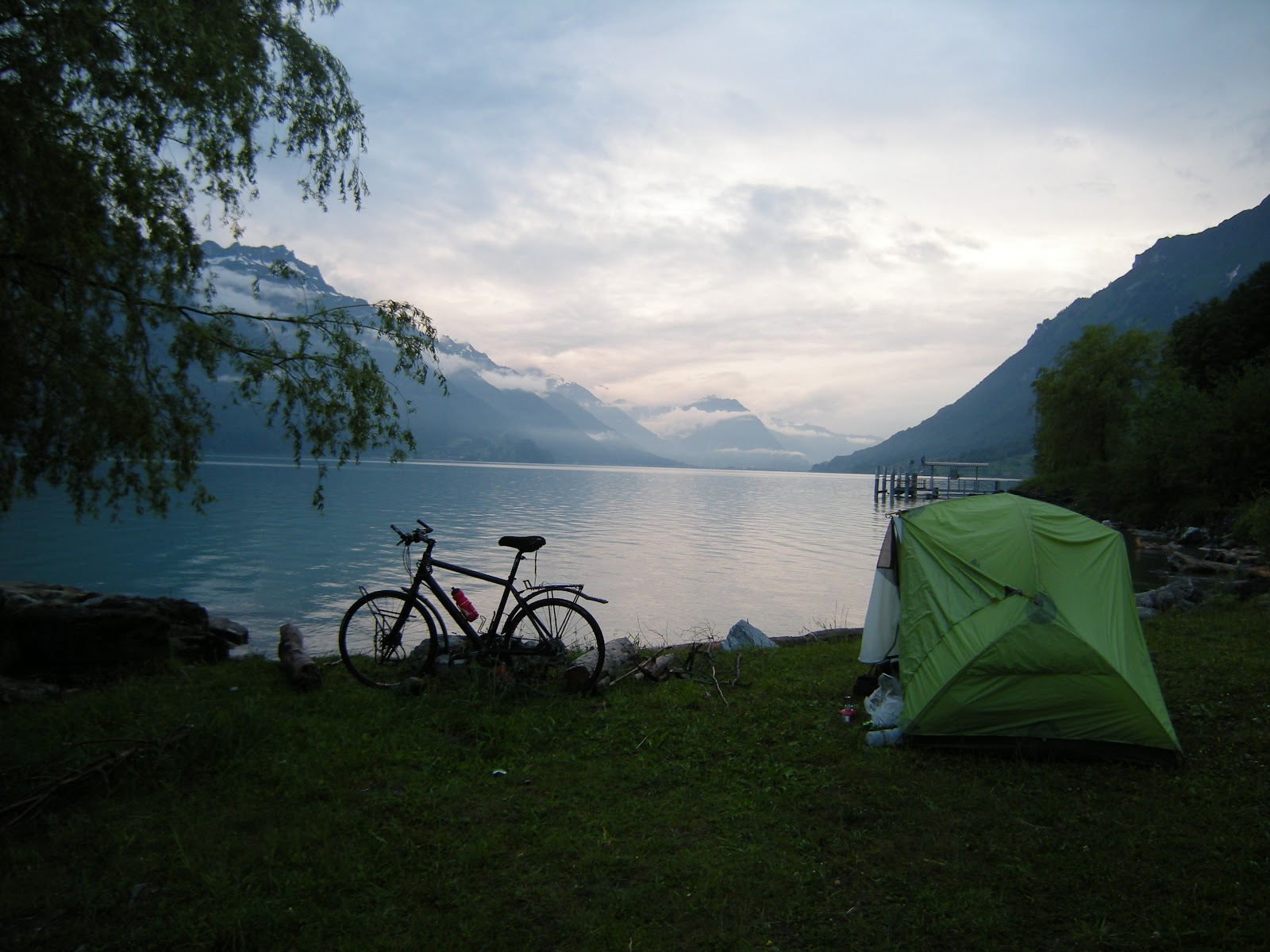 Bike for africa nuit premi re lac de brienz schweiz - Lac de brienz ...