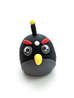 Black Angry birds iz tičino mase - Angry birds fondant