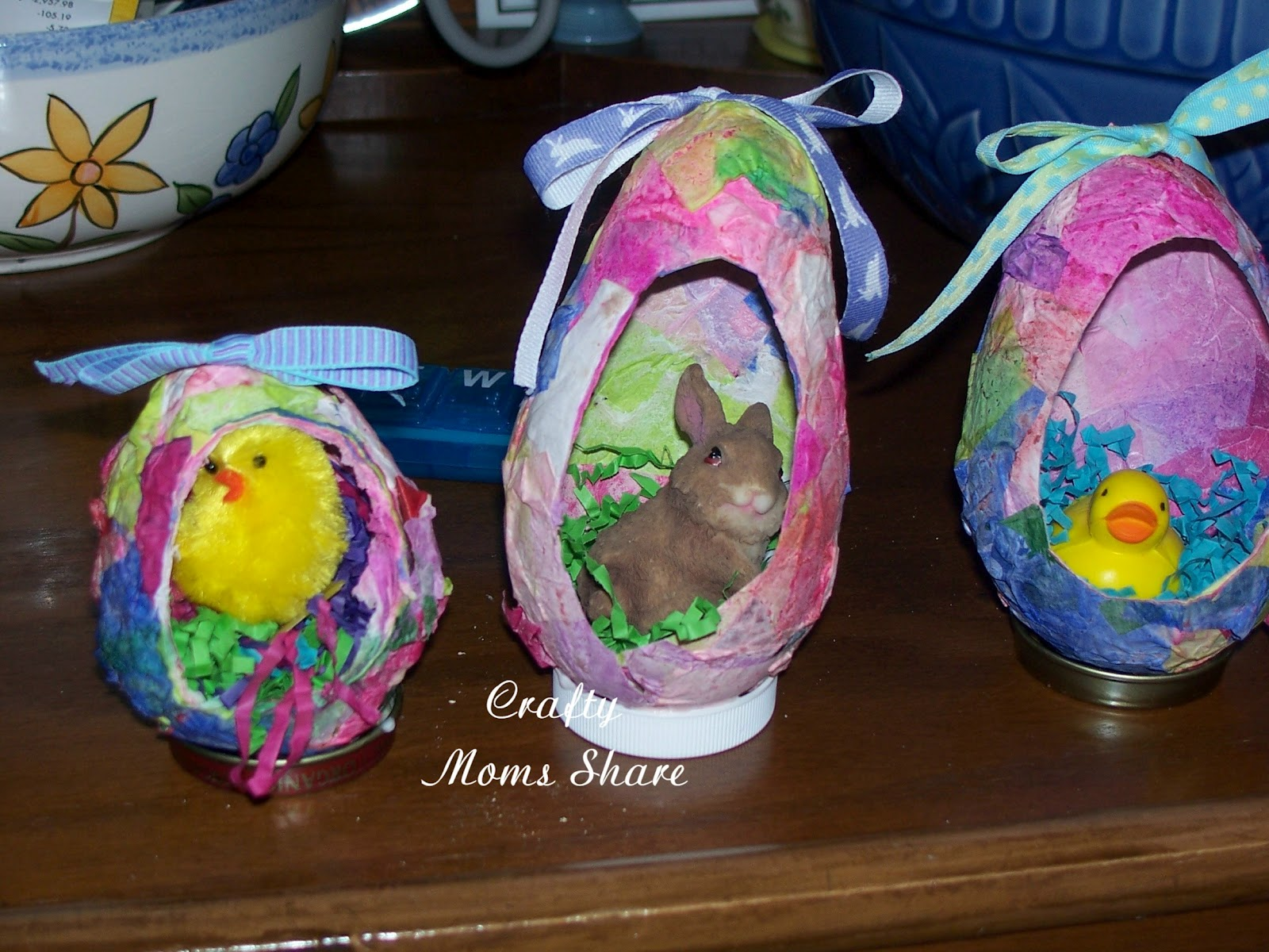 Crafty moms share spring and easter crafts for Paper mache craft ideas