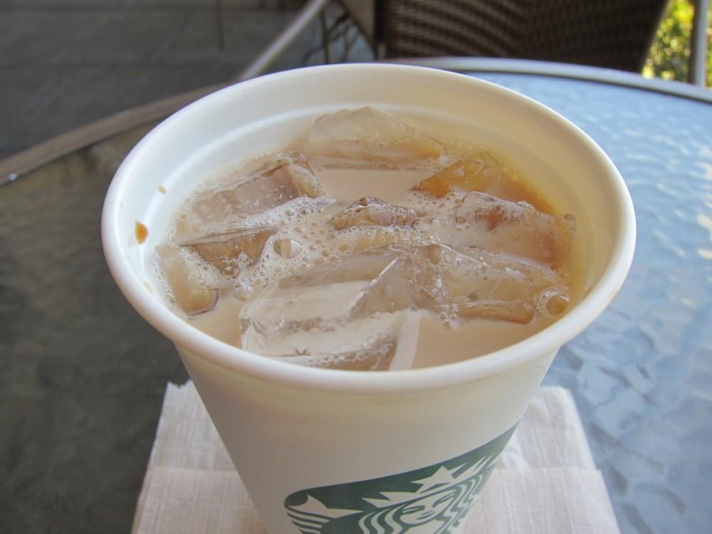 ... Info - Starbucks Grande Iced Oprah Chai Tea Latte (16 fl oz