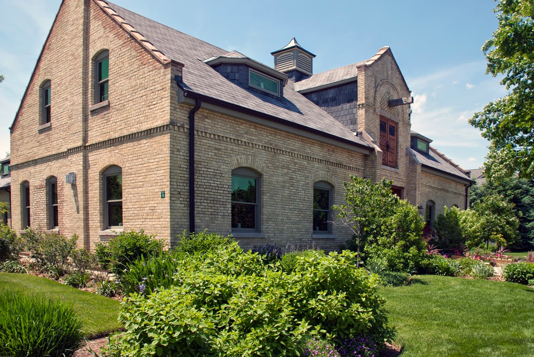 fort sheridan catholic singles North shore history buffs don't have to travel far to get an inside look at fort sheridan's exceptional homes and  an artillery building, a single-family.