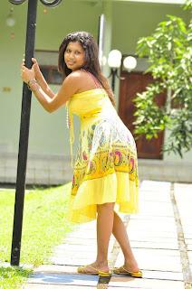 Kavisha Ayeshani hemasiri yellow butt