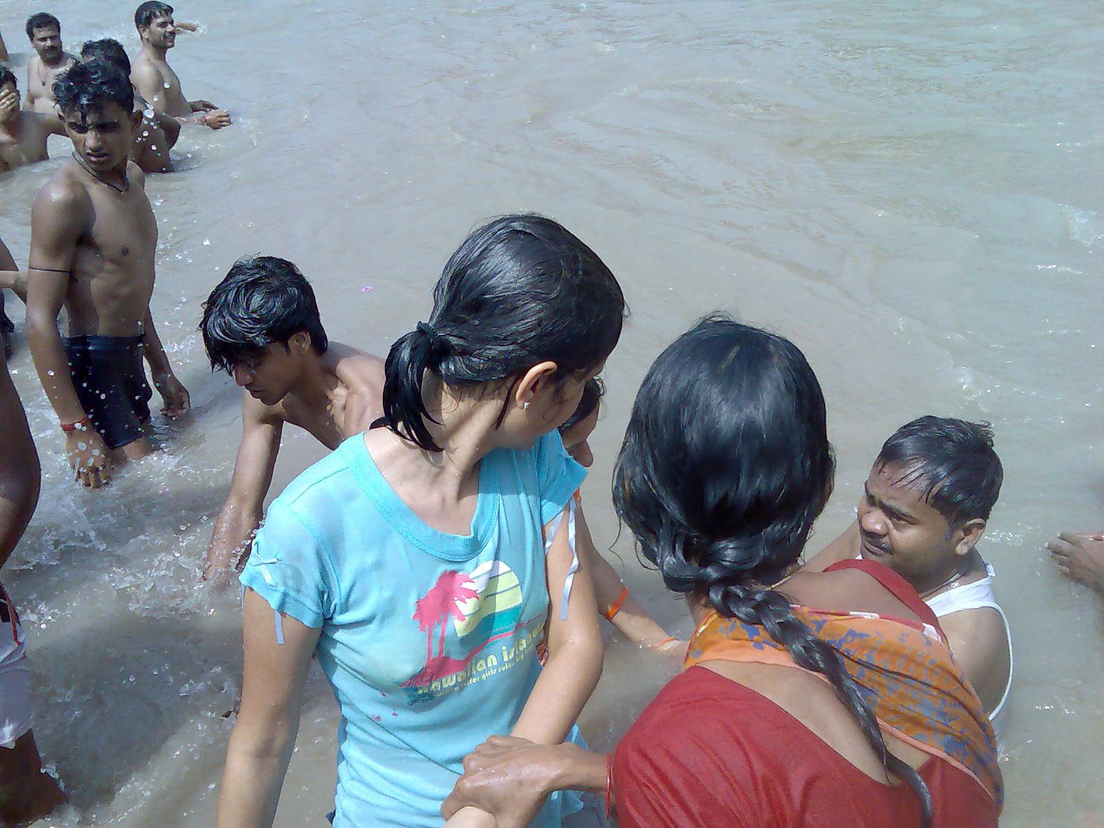 Wet Indian Girls In Ganga River Bathing Dress Girl