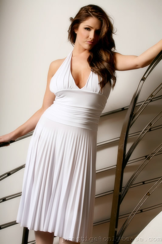 Lucy Pinder Net Worth - networthpost.org