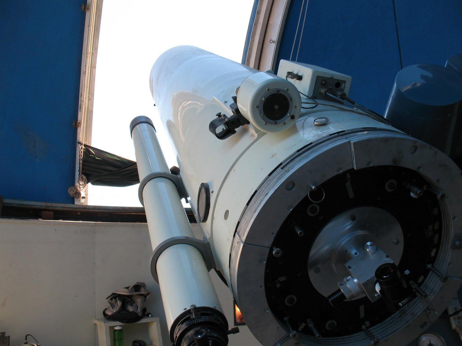 http://1.bp.blogspot.com/-_P6WBsEl8kw/TcwW_tgjGeI/AAAAAAAAACI/7c87umfwXEI/s1600/Telescope-Custom.JPG