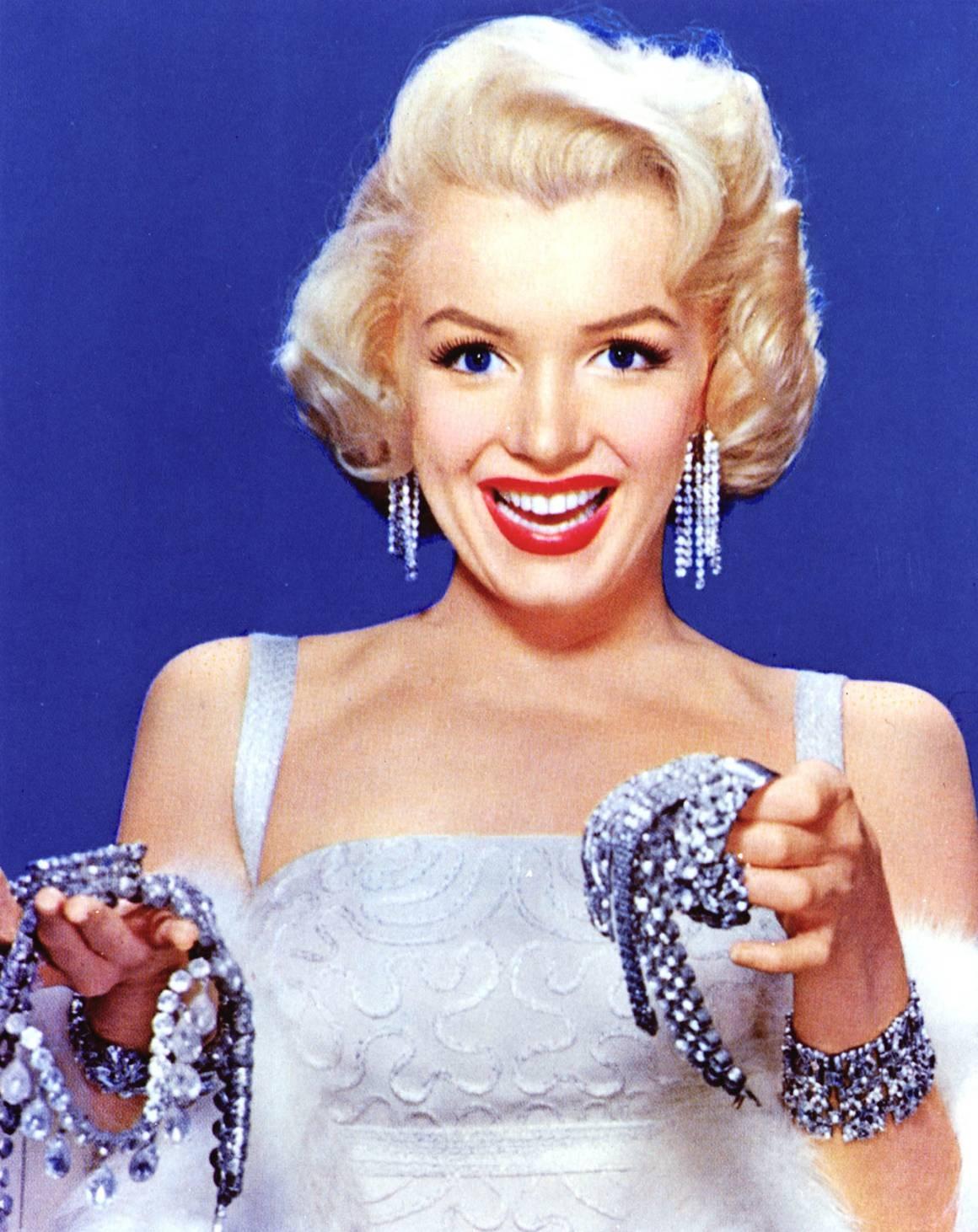 http://1.bp.blogspot.com/-_PEJnHv0acA/Ta4YyEQvNYI/AAAAAAAABCw/KY3nAe0xMQk/s1600/Annex+-+Monroe%252C+Marilyn_NRFPT_084.jpg