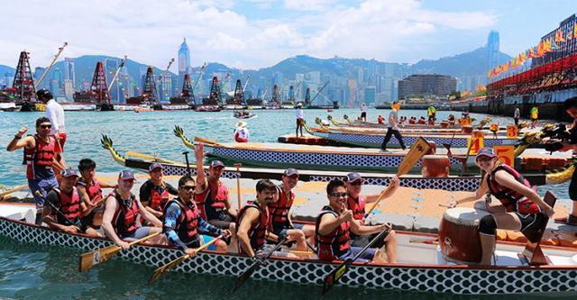 Карнавал лодок-драконов в Гонконге