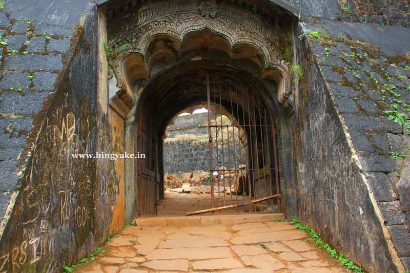 manjarabad fort entrance