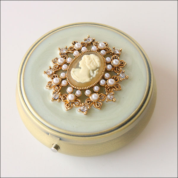 Cameo Pill Box Wedding Depot