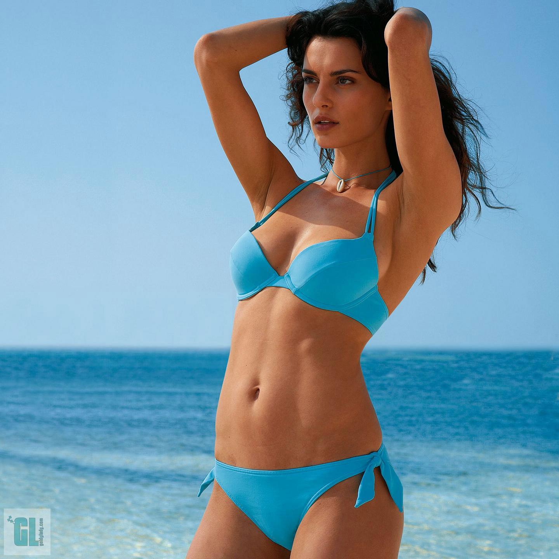 http://1.bp.blogspot.com/-_Q50iKNPTIw/TqROlt4YyDI/AAAAAAAADrg/zMwPd3VKxn0/s1600/Catrinel_Menghia_Hot.jpg