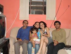 Confraternização com Helenilda (esposa), Hellen (filha), Indira e Joao Batista