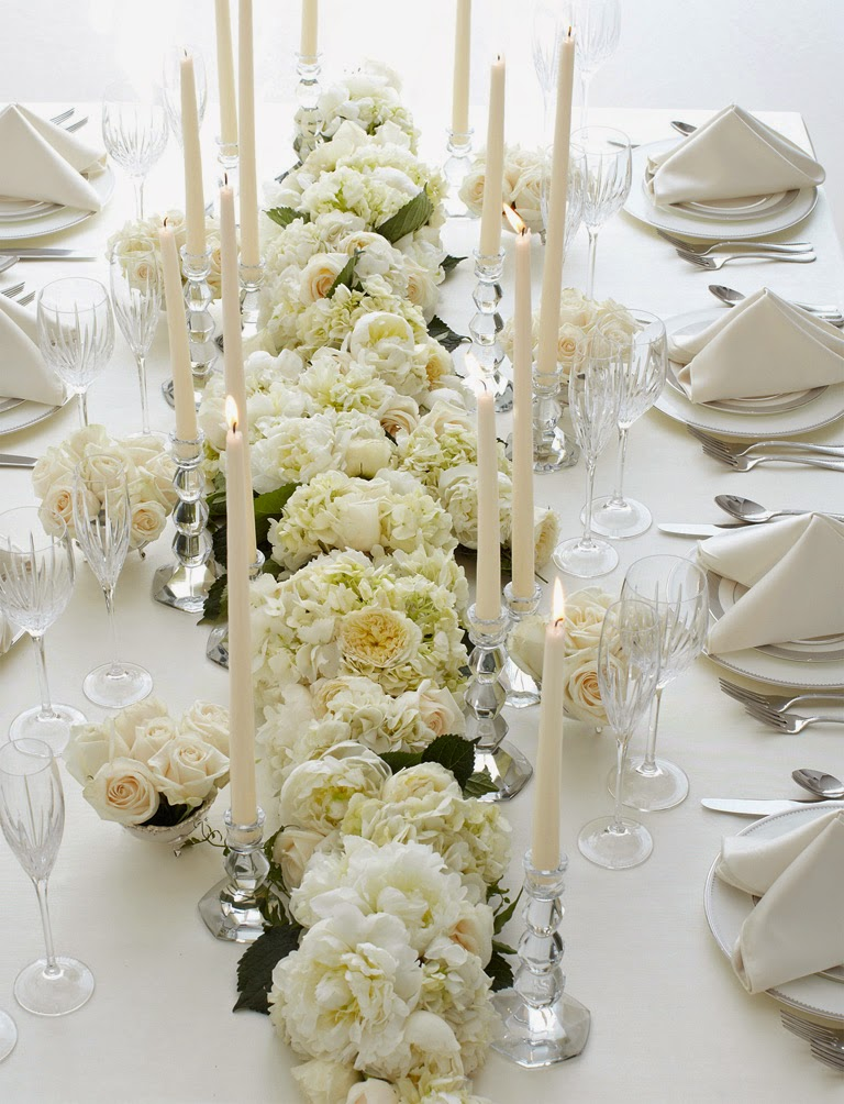 Wedding table decorations flowers http refreshrose for All white wedding theme pictures