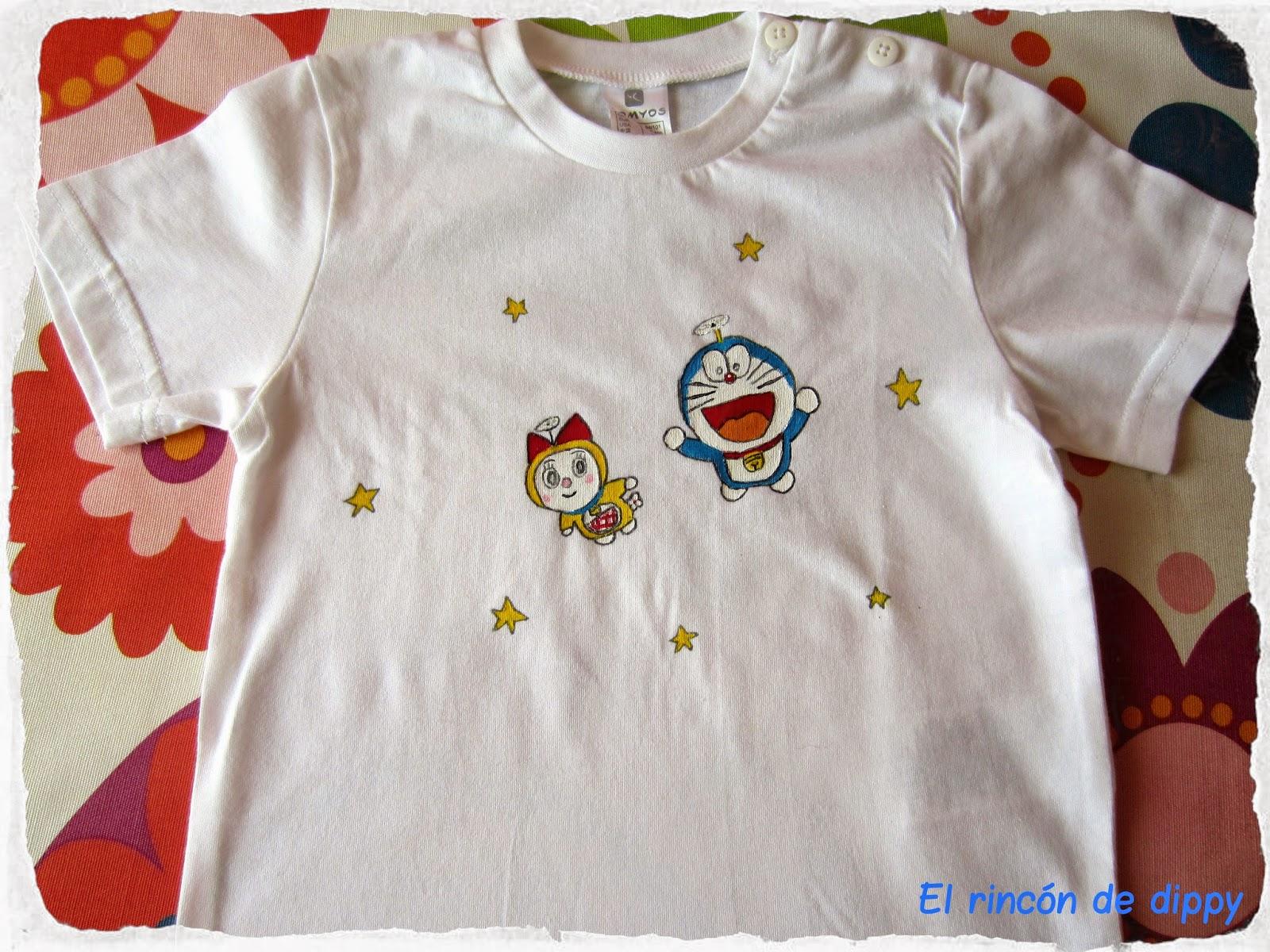 Camiseta pintada Doraemon y Dorami