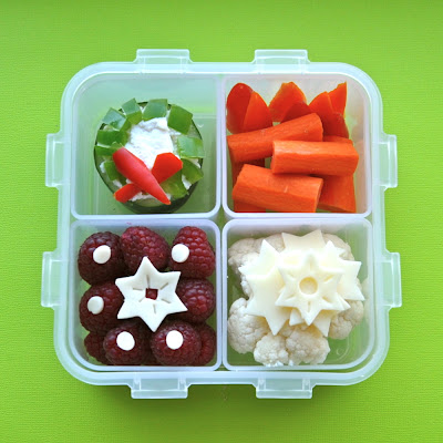 Holiday 4 Square Bento w/ Cucumber Wreath