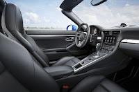 Porsche 911 Targa 4S (2016) Interior