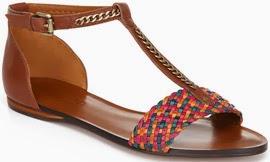 sandália rasteira de couro Arezzo verão