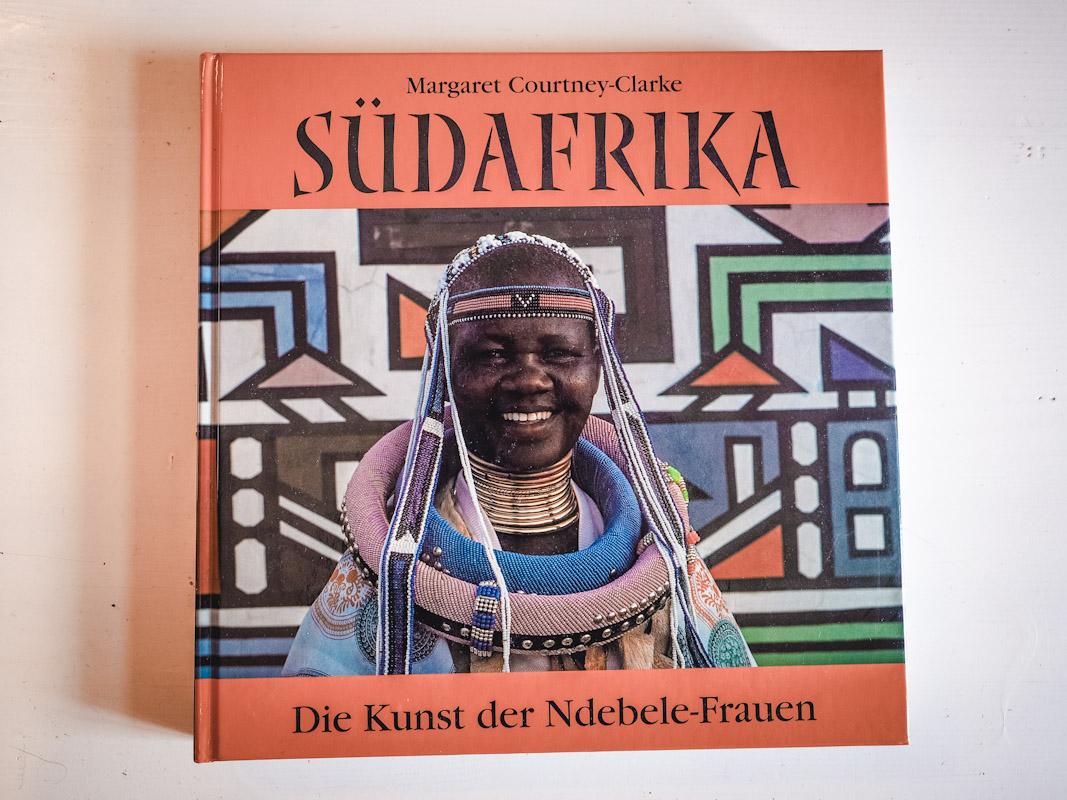 Bildband Cover Südafrika, Die Kunst der Ndebele-Frauen
