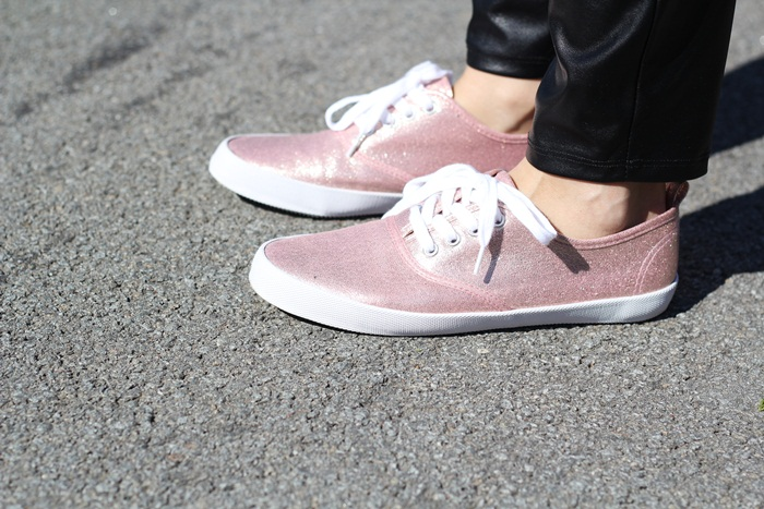 flats, michael kors, outfit, ray ban, sheinside, sneakers