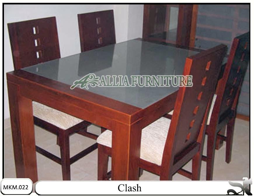 Set meja makan minimalis model Clash