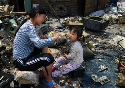 China's Electronic Waste Hell Seen On www.coolpicturegallery.us