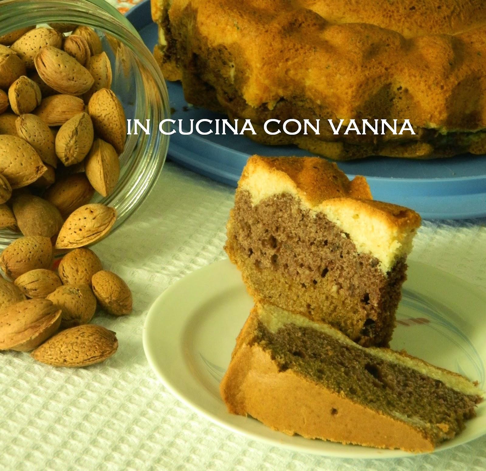 torta tre sapori: vaniglia, cioccolato e caffè