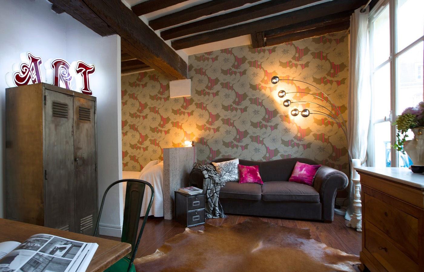 En París: Un apartamento de 30m2 decorado con piezas de mercadillo.