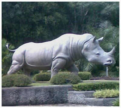 One-horned Rhinoceros, badak bercula satu, great statue