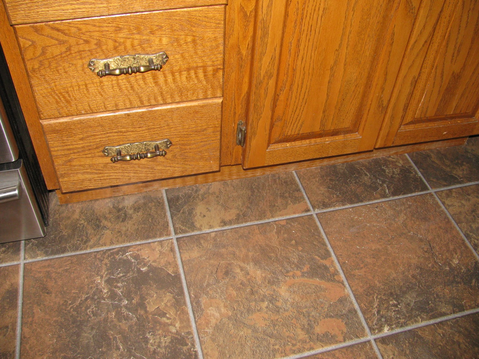 Tammy 39 s craft emporium new kitchen floor for Kitchen flooring