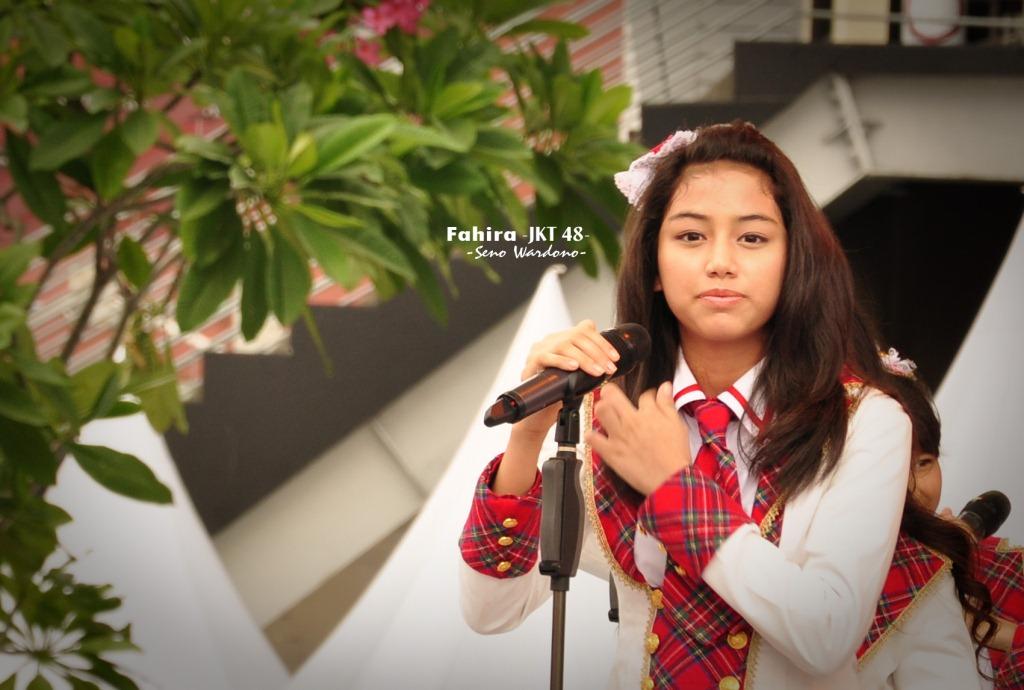 Fahira ex48 saat sedang perform