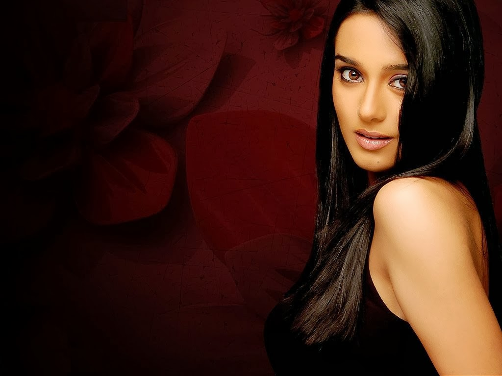 Hollywood Plus Bollywood Pics: Amrita Arora Hot Wallpapers