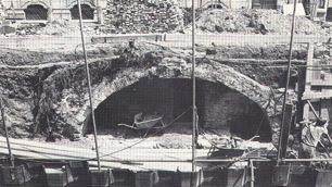 Onder De Kelders : Onder in de kelder foto van binnenhof ridderzaal inner court