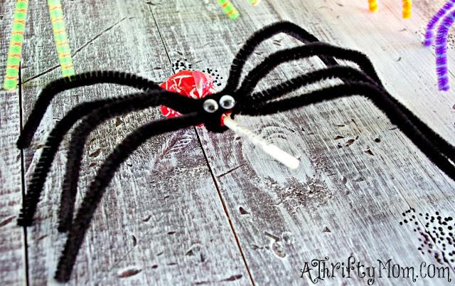 Lembrancinha para o Dia das Bruxas - Pirulito Aranha