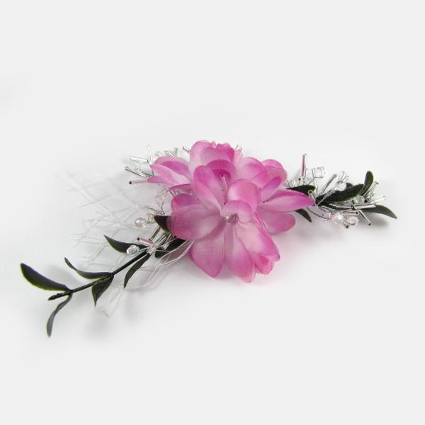 Ślubne kwiaty do włosów z woalką i gałązkami