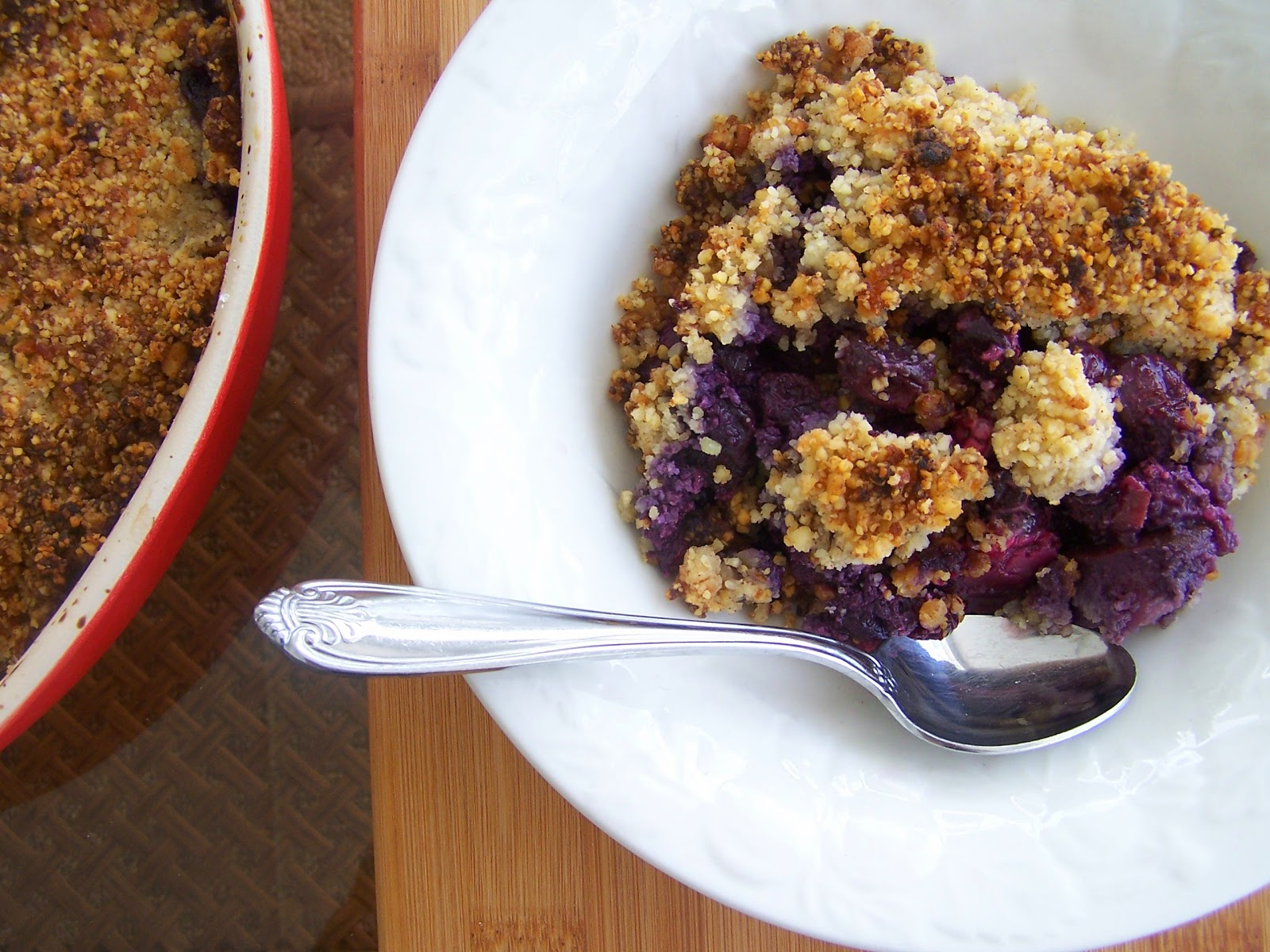 A Gluten Free Paleo Blueberry Crumble that's Low in Carbs!