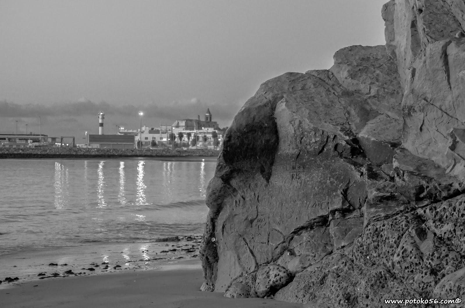 Desde la playa de los galeones el Picobarro y Rota B/N