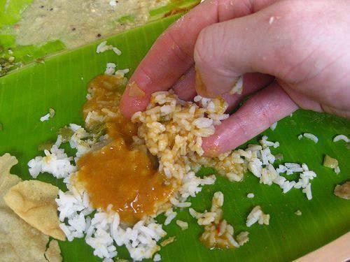 Kisah Seorang Gadis Kampung Bertudung Makan Disebuah Restoran Mahal
