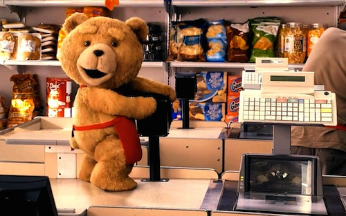 Ted en la caja registradora